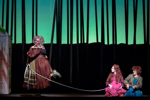 Robert Clark as the Witch with Andrea Hill (Hansel) and Lisa Szkwarek (Gretel)